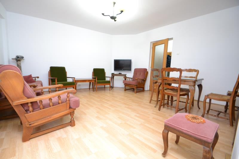 Apartament 2 cam PANDURI, pret inchiriere 320 EUR   <a href='http://www.kpimobiliare.ro/details/apartament-2-camere-panduri-320-eur-inchiriere-kpa8711' style='text-decoration:none;'><span style='color:#d89f2a;font-weight:bold;'>...detalii</span></a>
