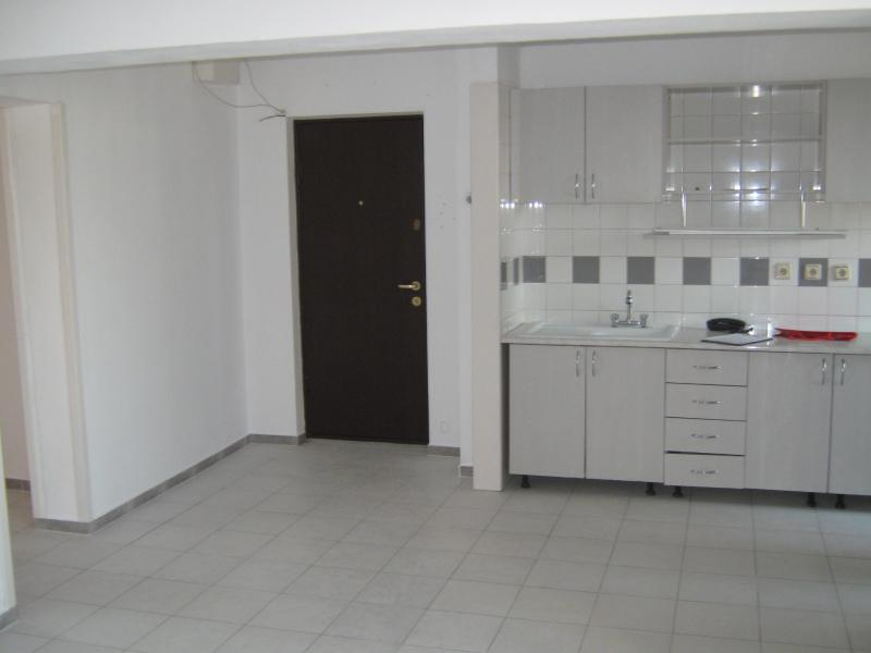 Apartament 3 cam PANDURI, pret inchiriere 400 EUR   <a href='http://www.kpimobiliare.ro/details/apartament-3-camere-panduri-400-eur-inchiriere-kpa0156' style='text-decoration:none;'><span style='color:#d89f2a;font-weight:bold;'>...detalii</span></a>