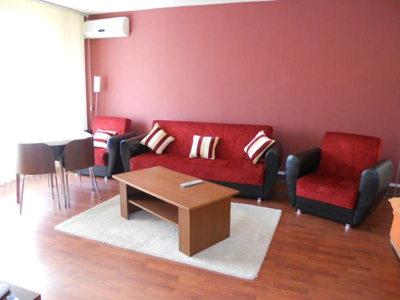 Apartament 2 cam DRUMUL SARII, pret inchiriere 370 EUR   <a href='http://www.kpimobiliare.ro/details/apartament-2-camere-drumul-sarii-370-eur-inchiriere-kpa0488' style='text-decoration:none;'><span style='color:#d89f2a;font-weight:bold;'>...detalii</span></a>